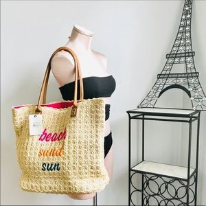 GH Bass &co straw tote